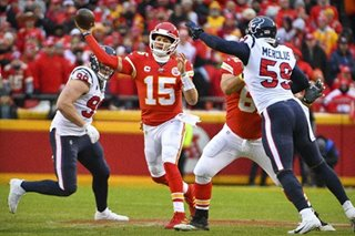 NFL: Chiefs roar back from 24-0 down to rout Texans