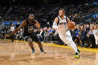 NBA: Mavs roll to another blowout of Warriors