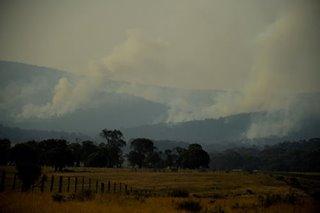 Australia heatwave renews bushfire worries