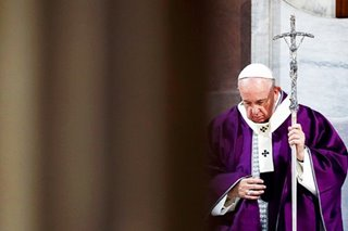 Catholics worldwide pray with pope for end to coronavirus pandemic