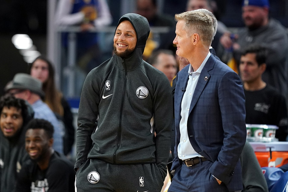Steve Kerr says Stephen Curry isn't 'thrilled' on delayed return