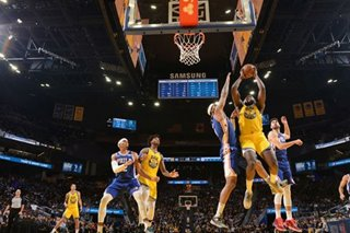 NBA: Paschall, Warriors clip 76ers late