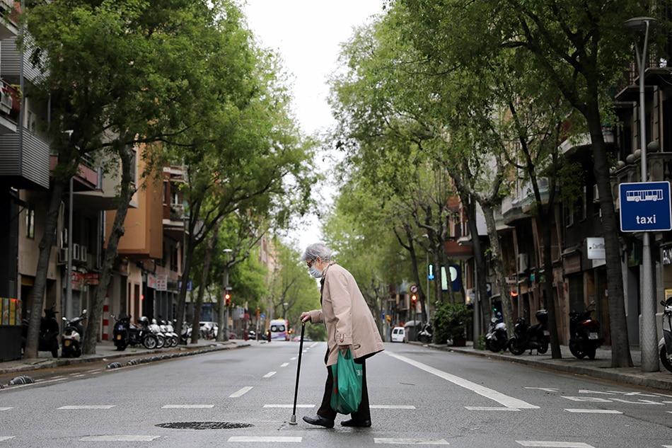 Spain death toll hits 9,053 as coronavirus cases pass 100,000 1