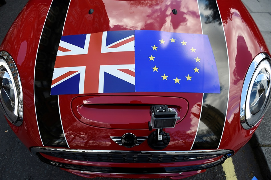 Britain, EU split on state aid in crunch week of trade talks