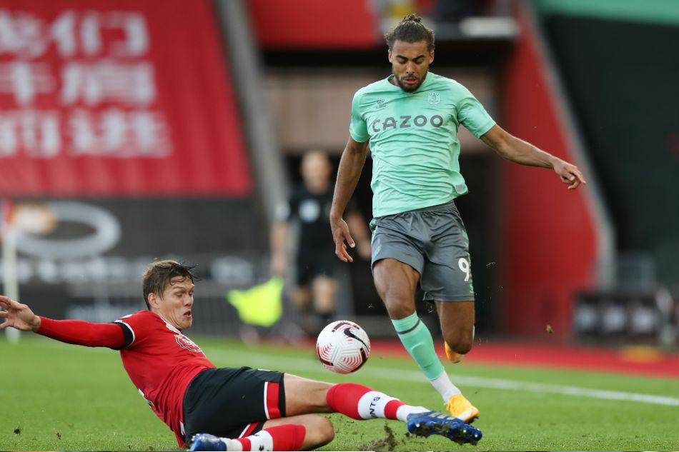 Football: Saints end Everton's unbeaten start, Leicester beat Arsenal 1