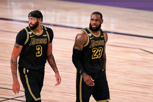 LeBron James, Anthony Davis sign up for Lakers' bright future