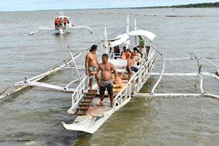 15 naisalba sa tumaob na pump boat sa Negros Occidental