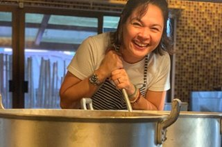 LOOK: Judy Ann cooks hot meals for Taal evacuees