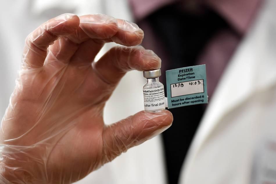 BioNTech founders warn of vaccine supply gaps 1