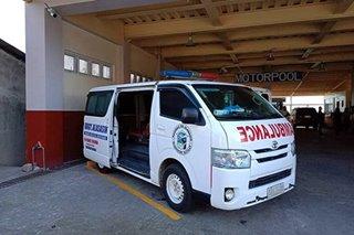 Babae napaanak sa loob ng ambulansiya sa Bataan