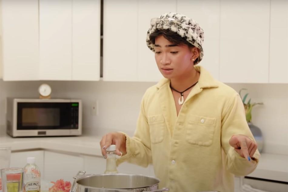 WATCH: Bretman Rock cooks igado, Pinoy spaghetti for mom on MTV show 1