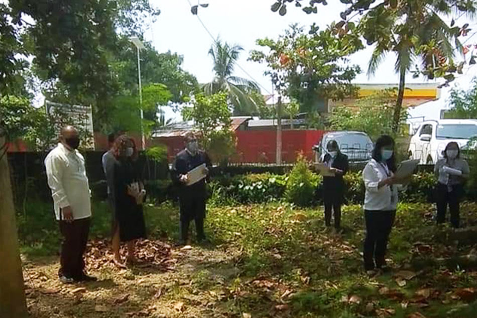 As precaution vs COVID-19, Surigao Sur judge holds hearing outside courtroom 2