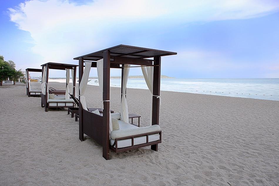 The Acuaverde Beach Resort. Handout