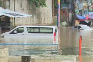 Ilang residente sa Marikina City binaha sa pag-apaw ng ilog