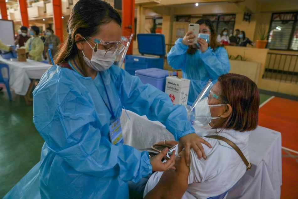 Mandaluyong holds COVID-19 vaccination simulation
