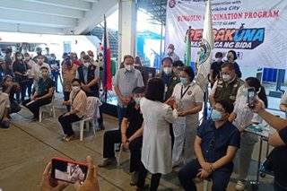 'Wala sa prayoridad ang mga mayor': Marikina mayor fails to get COVID-19 jab