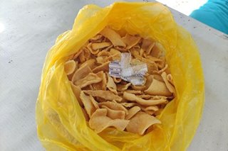 TINGNAN: Shabu sa fish crackers nahuli sa Davao City
