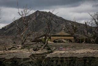 Taal Volcano emits 'very weak' steam-laden plumes