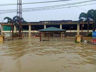 1 dead, thousands flee in PH due to Typhoon Bising