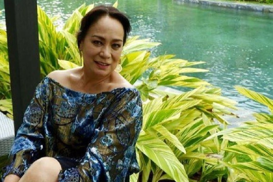 After vaccination, Gloria Diaz back in Mother's Day movie 'Mommy Issues'