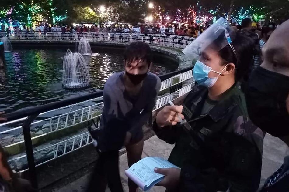 Vlogger pinag-community service matapos lumangoy sa fountain sa CDO 1