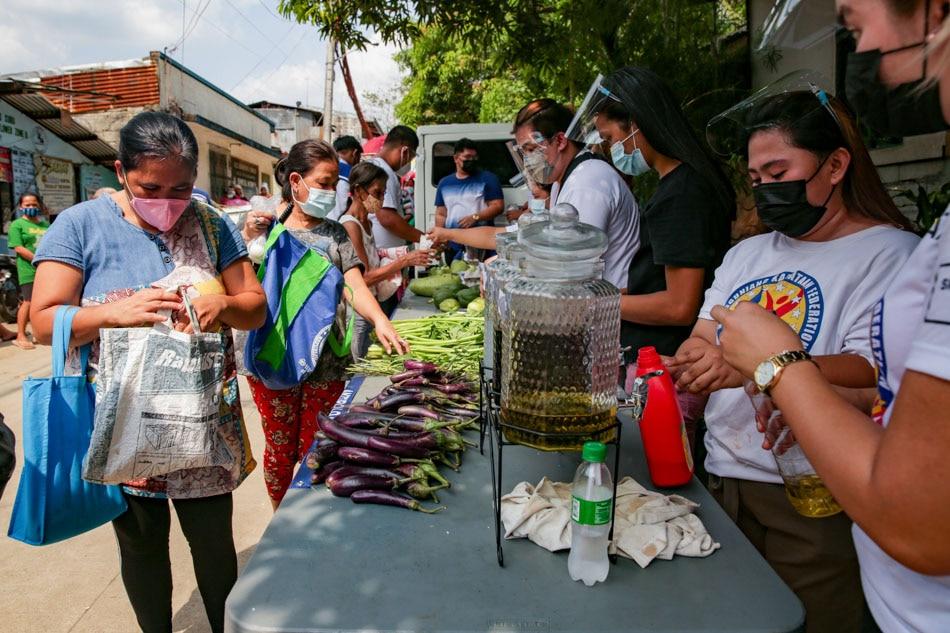 'Zero Waste Community Pantry' set up in Antipolo barangay