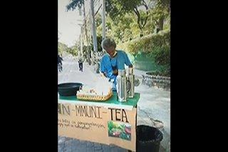 Barya at tsaa pinamimigay sa community pantry sa QC