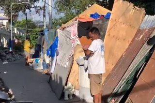 Informal settlers sa Pandacan sa kalsada nakatira matapos ang demolition