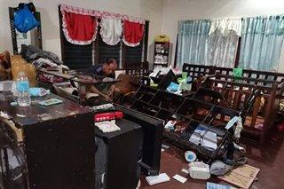 TINGNAN: Aparador natumba, TV nasira dahil sa lindol sa Bukidnon
