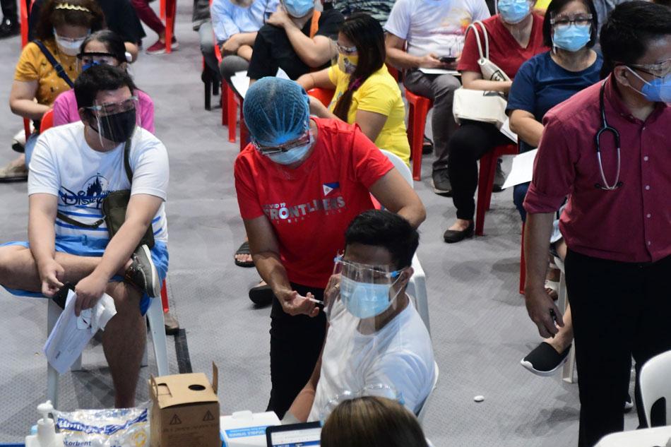 San Juan, Mandaluyong start vaccinating indigent residents vs COVID-19 1