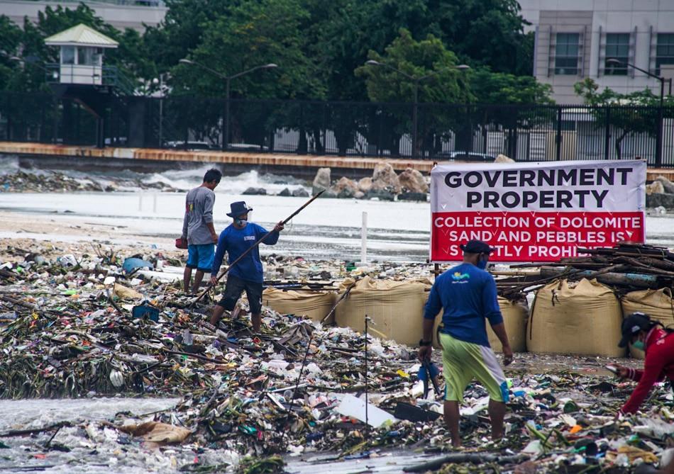 Accumulated trash on 'dolomite beach'