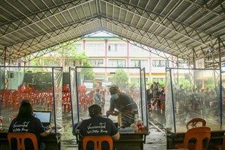 Manila continues COVID-19 vaccination amid MECQ