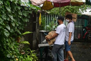 Providing aid to residents under COVID-19 quarantine