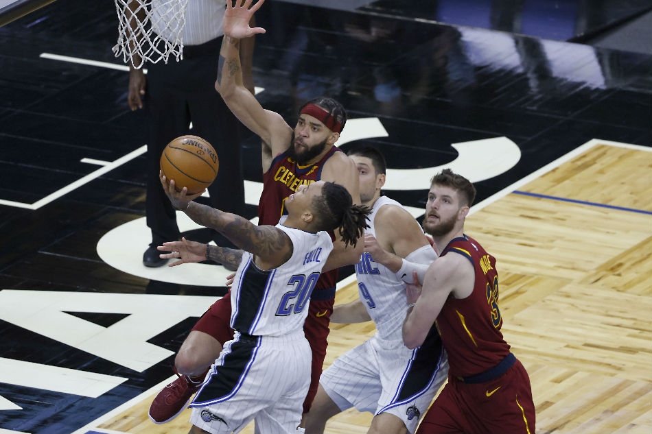 NBA: Magic shoot their way past Cavs 1