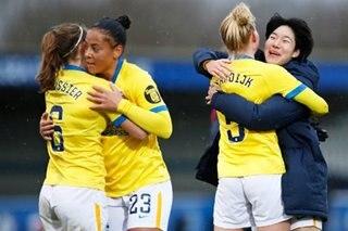 Football: Chelsea's unbeaten run ends in Women's Super League