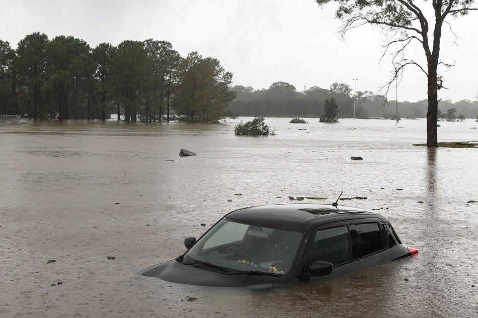 Australia floods hit new areas as disaster worsens 1