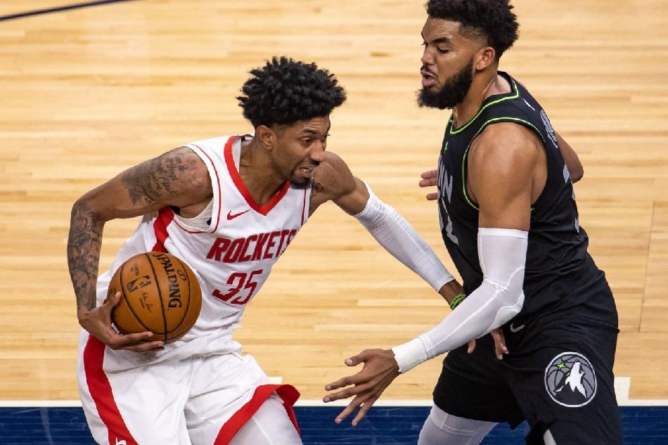 NBA: Rockets rip Timberwolves in Kelly Olynyk's debut 1