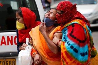 India COVID surge hits new record as oxygen runs short