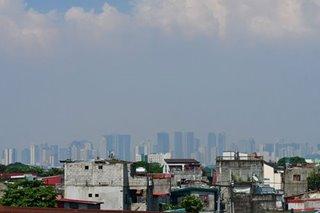 Smog blankets parts of Metro Manila