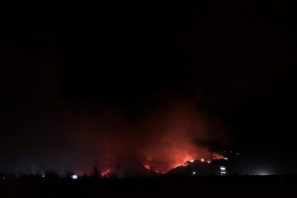 Wildfires rage across western Canada, California 1