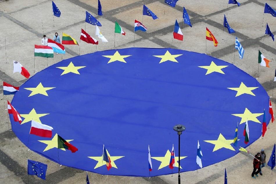 EU puts digital tax plan 'on hold' under pressure from US 1