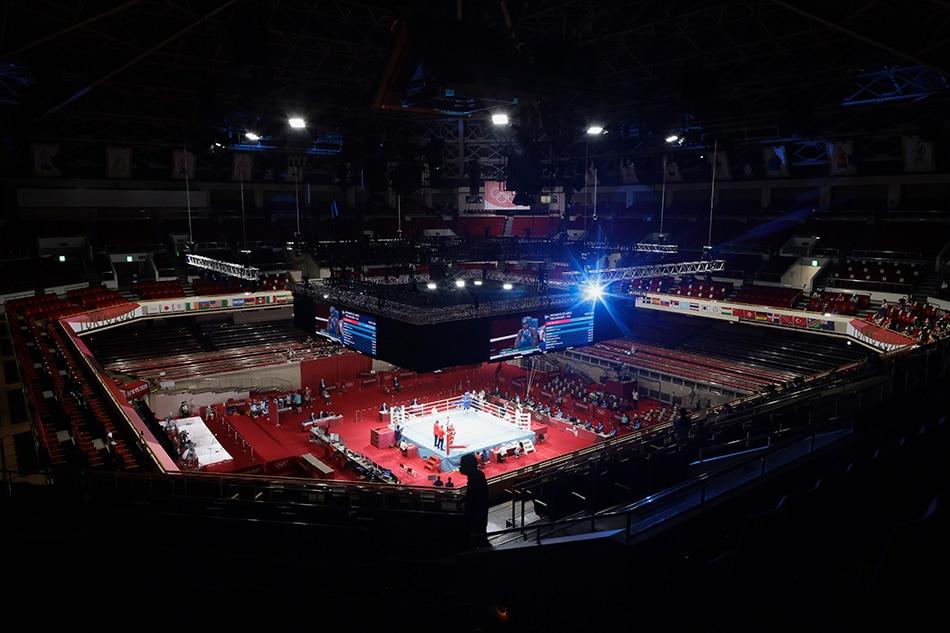 General view during the fight of Rashida Ellis of the United States and Caroline Sara Dubois of Britain at the Kokugikan Arena. Ueslei Marcelino, Reuters