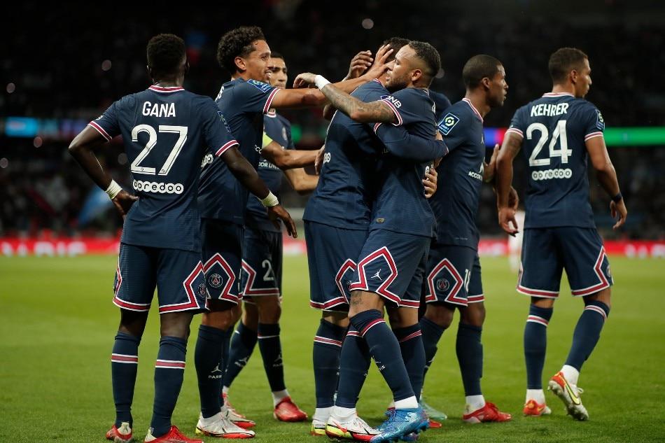 Paris St Germain's Mauro Icardi celebrates scoring their second goal with teammates. Benoit Tessier, Reuters.