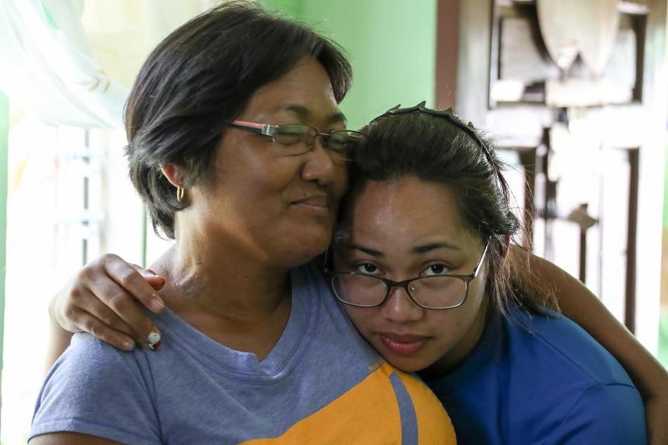 'Sobrang saya': Hidilyn's mom on cloud nine after daughter wins Olympic gold 1