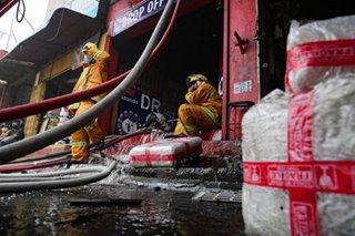 Fire hits warehouse in Las Piñas