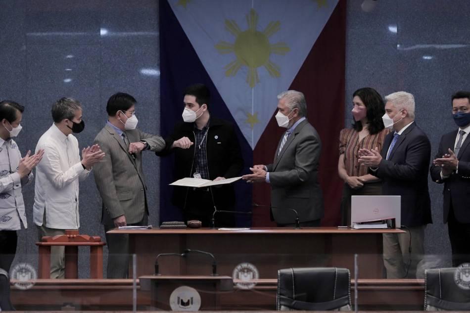 Senate OKs resolution lauding Vico Sotto for anti-corruption efforts 1