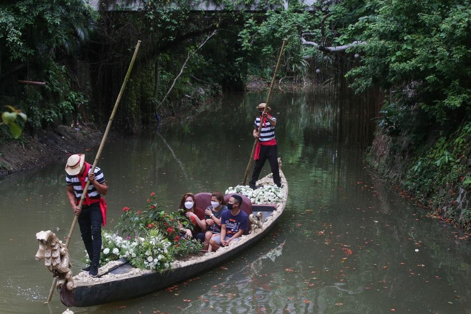 Gondola ride in Las Piñas