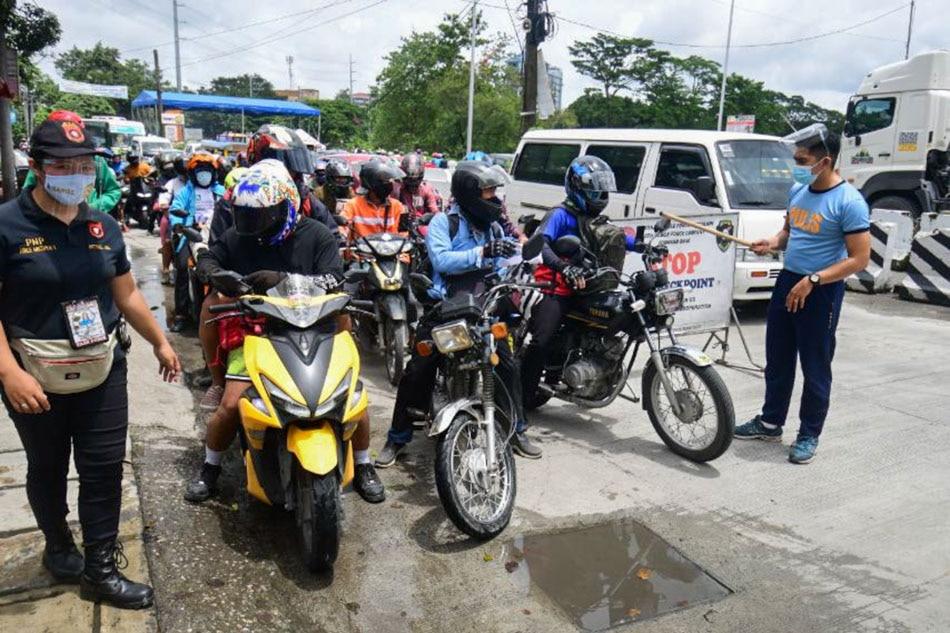 NCR-Bulacan border check as stricter quarantine protocols take effect