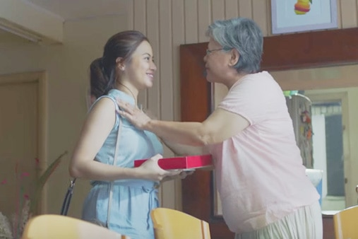 WATCH: Girl gives 'angels' back to her lola