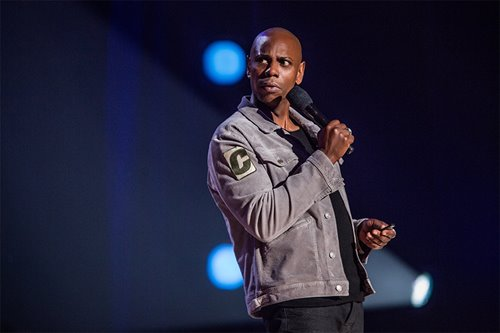 Dave Chappelle will be with his Filipina wife when he comes to Manila for 2-night show